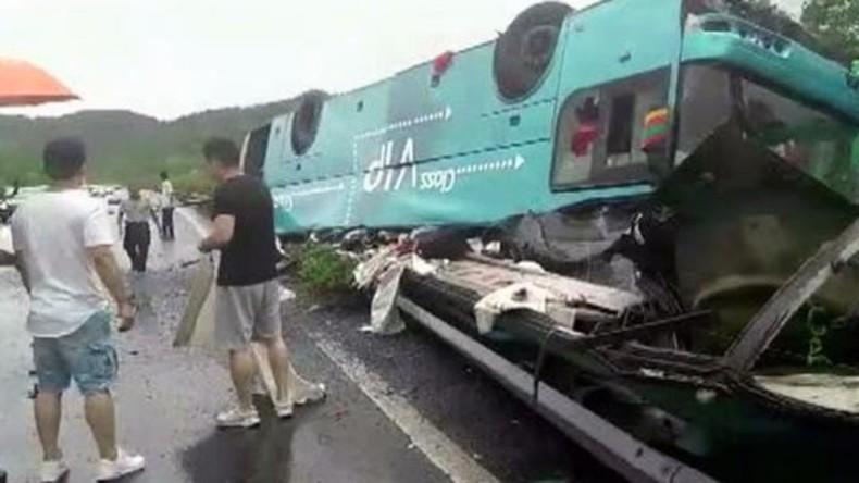 19 Tote bei Busunglück in China