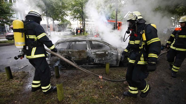 Polizei: In Krawallnacht 111 verletzte Beamte, 29 Festnahmen