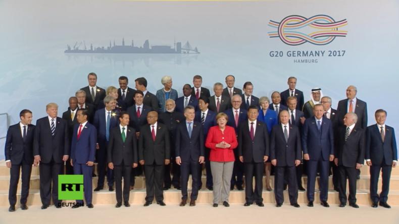 """Deutschland, China und Russland Schulter an Schulter bei """"G20-Familienfoto"""" - Trump außen vor"""