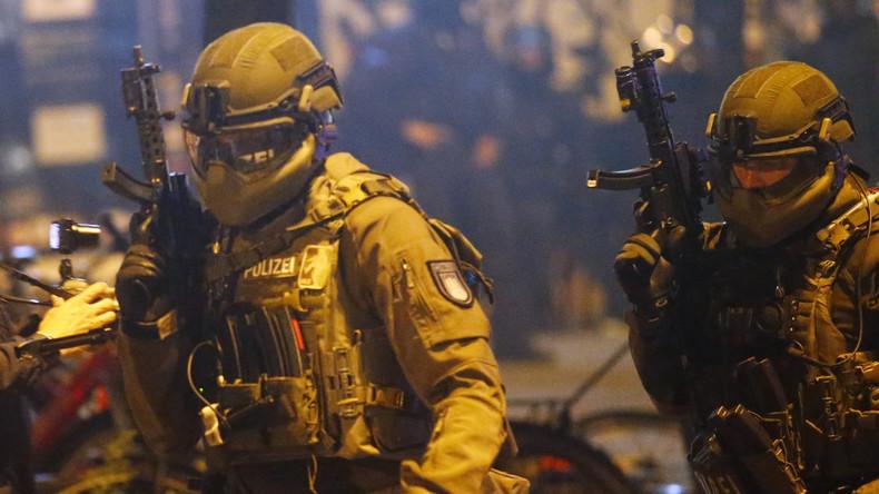 G20-Proteste: 143 Festnahmen - Polizei will Pressefreiheit einschränken
