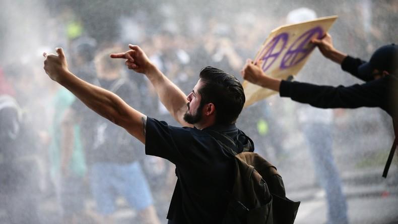 Nach Krawall-Gipfel in Hamburg: Parteien streiten über Linksextremismus und Polizei-Einsatz