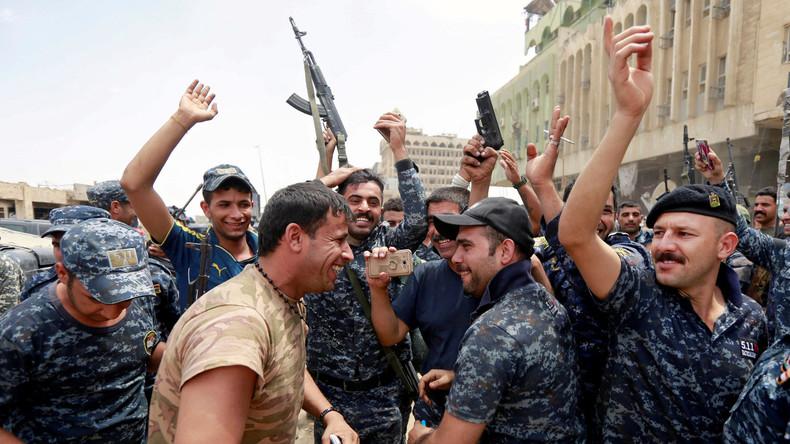 Iraks Ministerpräsident trifft in Mossul ein und gratuliert Truppen zur Befreiung der Stadt