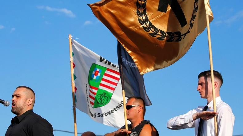"""""""Die weiße Rasse retten"""": Rechtsextreme Gruppen gründen in Ungarn neue Anti-Immigrations-Bewegung"""
