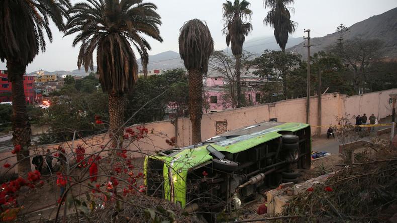 Mindestens neun Tote und 25 Verletzte bei Busunglück in Peru