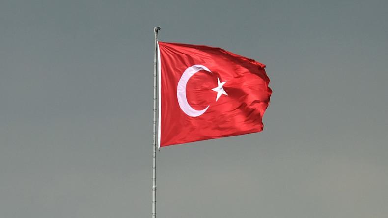 Mehr als 40 Mitarbeiter von zwei Universitäten in Türkei festgenommen