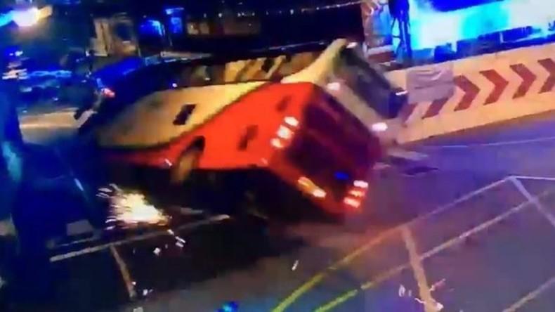Busunglück in Thailand fordert mindestens zwei Menschenleben - 29 Verletzte