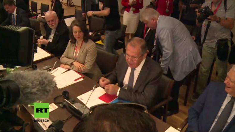 Übertriebener Medienrummel: Russischer Außenminister Lawrow weist aufdringliche Journalisten zurecht