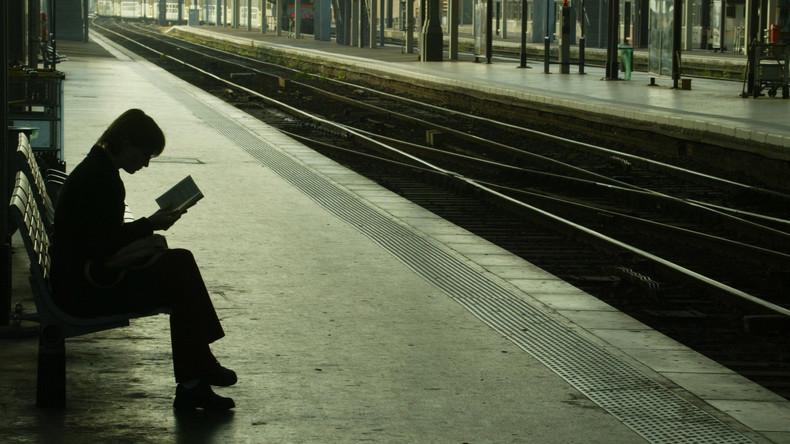 Mit der Eisenbahn: Russlands Parlament will Bibliotheken an Bahnhöfen etablieren