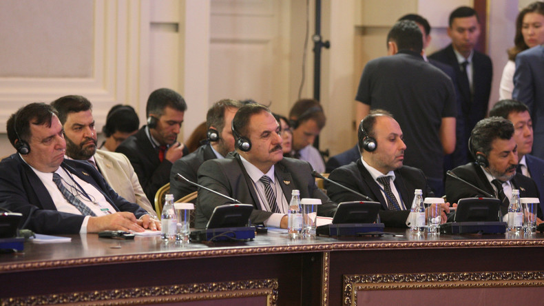 Drei syrische Oppositionsgruppen erstmals vollzählig in Genf zusammengekommen