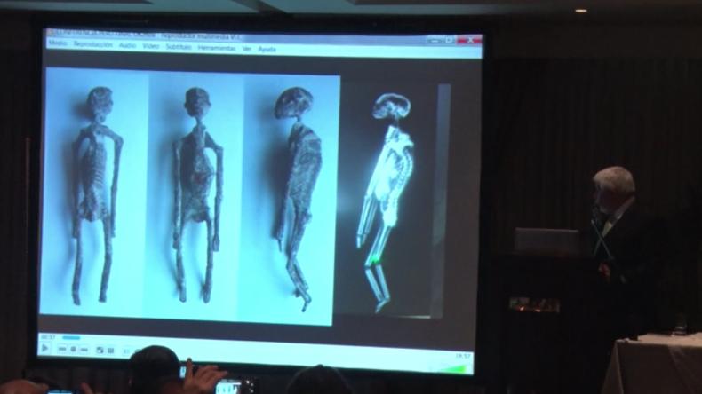 """Peru: Forscher begeistern UFO-Enthusiasten mit Bildern von ausgegrabenen """"Alien-Mumien"""""""
