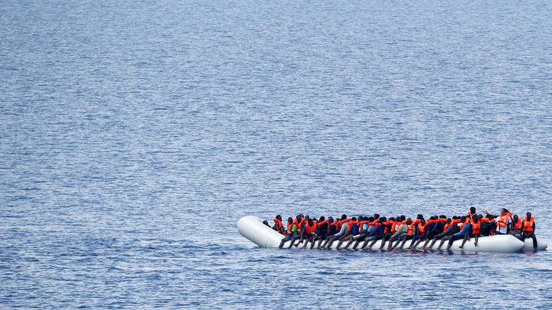 Bundesmarine rettet 919 Migranten im Mittelmeer