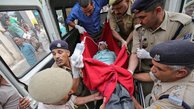 Busunglück in Indien fordert 16 Menschenleben