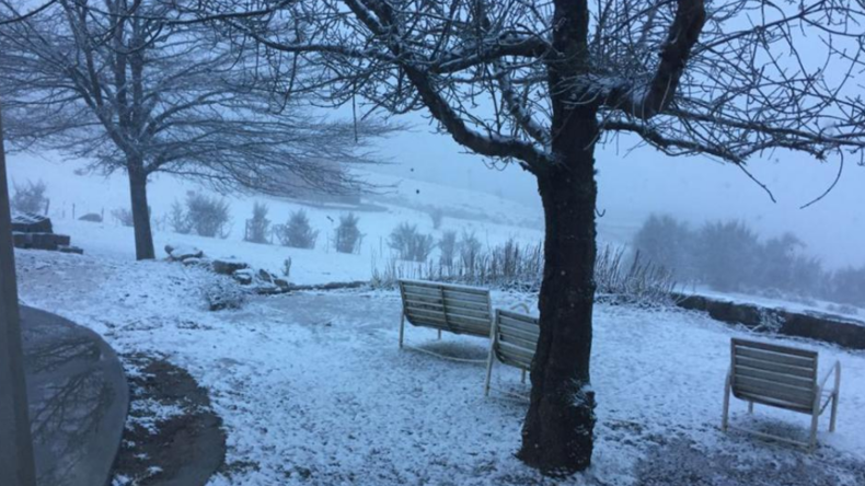 Argentinien friert ein: Kältewelle bringt Strom- und Flugausfälle