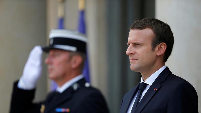Emmanuel Macron – Vive le roi!