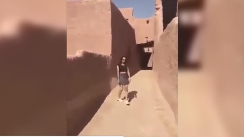 """Wegen einem Minirock: Saudische Polizei verhaftet Frau für """"unsittliche Kleidung"""" in Video"""