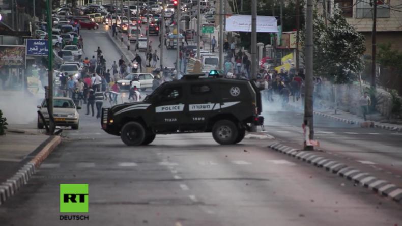 Wegen israelischer Sicherheitsschleusen - Schwere Proteste an Al-Aksa-Moschee
