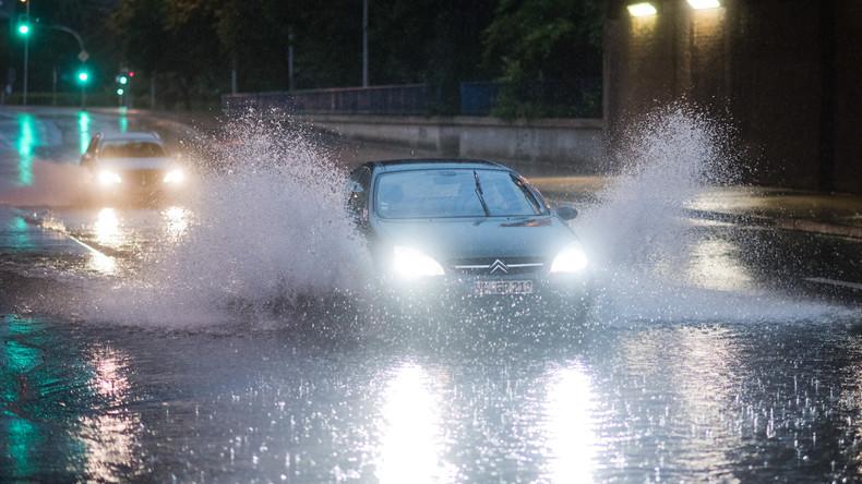 Chaos nach Unwetter: Köln steht unter Wasser!