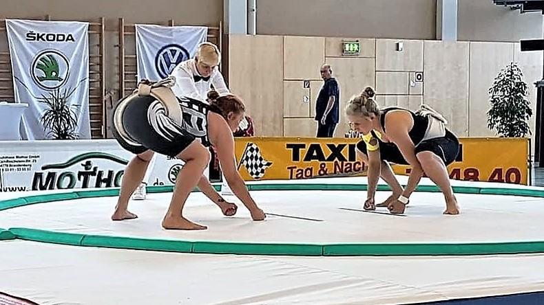 Sumo: Frauen steigen in den Ring