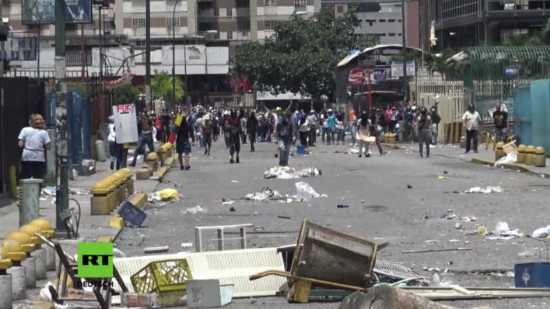 Venezuela: Heftige Zusammenstöße als Demonstranten versuchen, staatlichen TV-Sender zu stürmen
