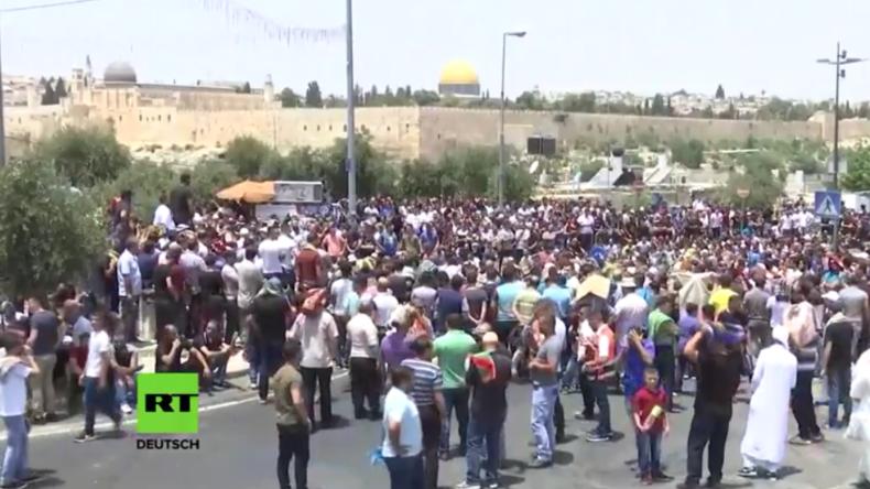 Live aus Jerusalem: Muslime strömen zum Freitagsgebet und protestieren gegen Auflagen am Tempelberg