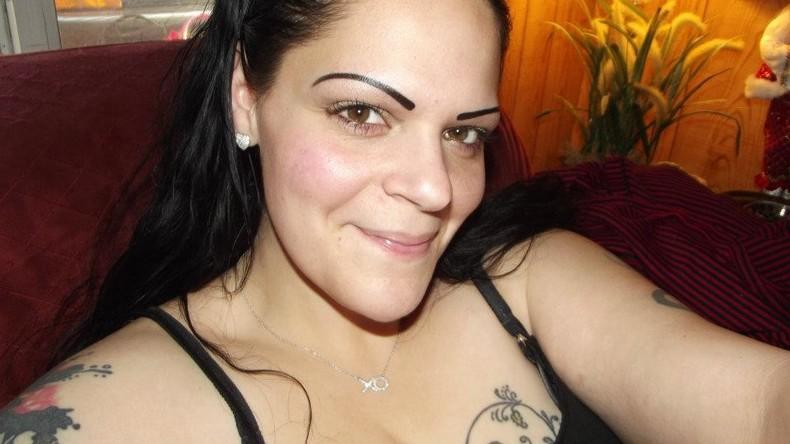 Ehemalige Heroin-Abhängige wirbt für Abstinenz mit Bildern aus ihrer Suchtzeit