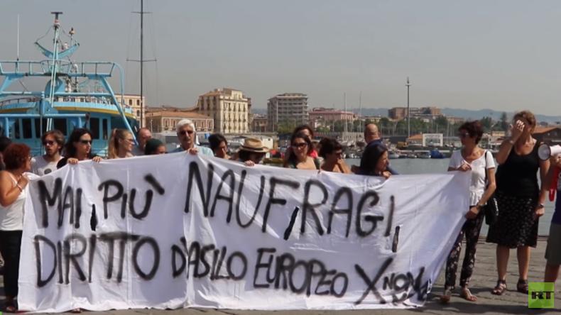 "Italien: Demonstranten erwarten Ankunft des Anti-Flüchtlings-Schiffes ""Defend Europe"""