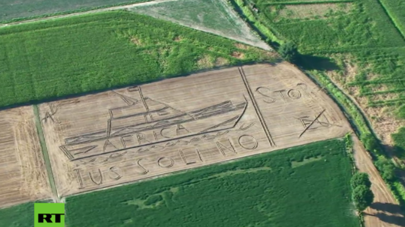 Italien: Künstler erstellt Kornkreis gegen Flüchtlingszustrom übers Mittelmeer