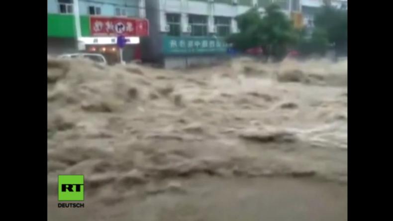 China: Bekannte Stadt Yulin versinkt in Fluten nach heftigen Regenfällen