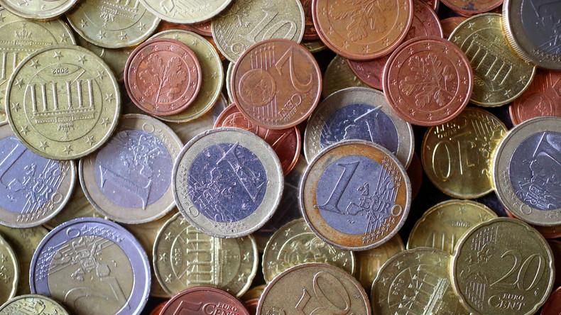 Sozialausgaben steigen auf über 900 Milliarden Euro