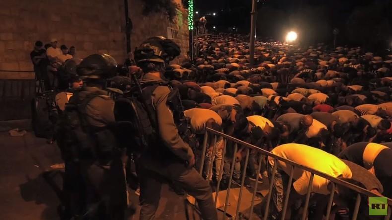 Ost-Jerusalem: Zusammenstöße zwischen israelischer Polizei und Muslimen bei Nachtgebet nahe Löwentor