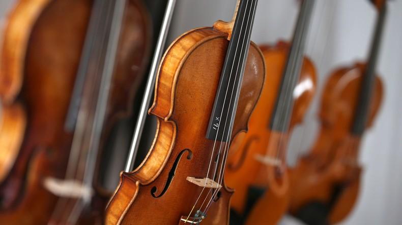 Japanerin vernichtet Geigenkollektion ihres Ex-Mannes im Wert von fast einer Million US-Dollar