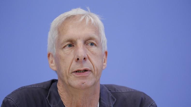 """Verkehrsexperte Herbert Behrens: """"Politik und Automobilindustrie sind auf das Engste verbandelt"""""""