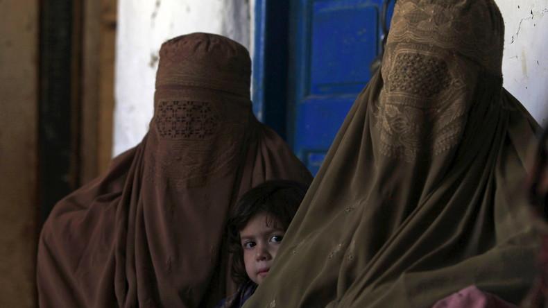Barbarische Selbstjustiz: 17-jährige Pakistanerin auf Befehl des Dorfrates vergewaltigt
