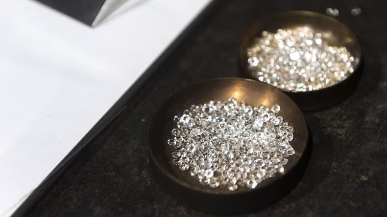 Bon appétit: Tourist verschluckt Diamanten für sechs Millionen US-Dollar in Hongkong
