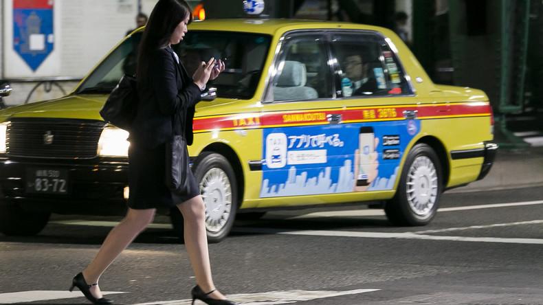 Honolulu verbietet Smartphones beim Überqueren der Straße – Strafen von 13 bis 85 Euro