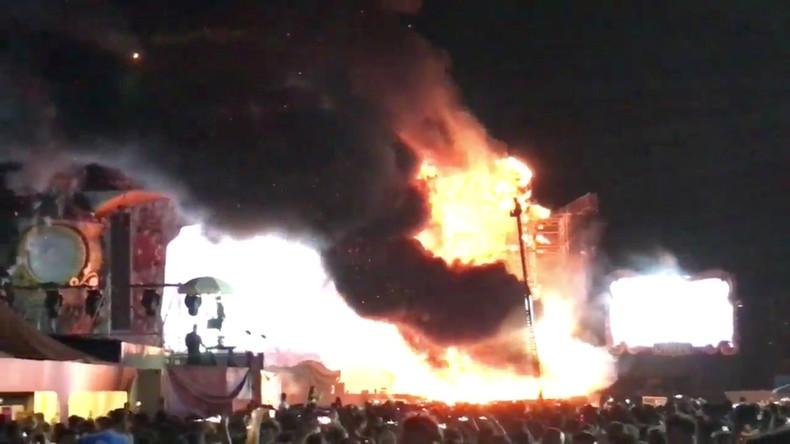 Bühne fängt Feuer: 20.000 Menschen bleiben ohne Musik-Show [VIDEO]