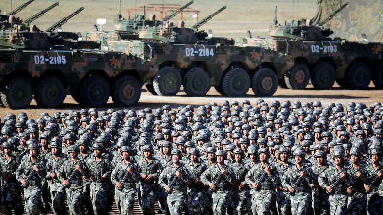 China feiert 90 Jahre Volksbefreiungsarmee mit Militärparade [VIDEO]