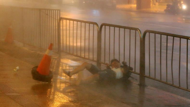 """Taifun """"Nesat"""" lässt in Taiwan und China viele Verletzte"""
