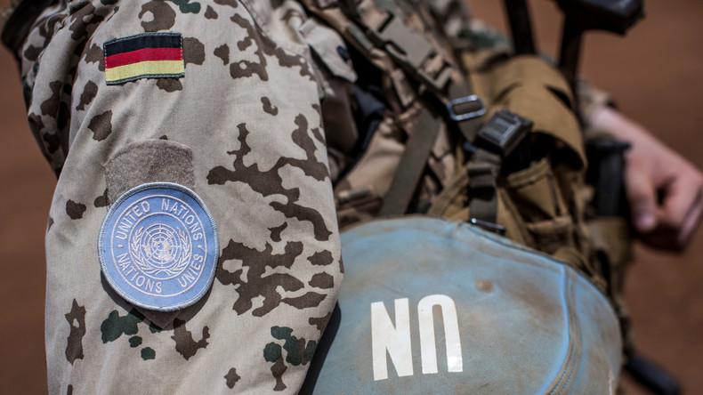 Trauer im Camp Castor - Ursula von der Leyen gedenkt toter Soldaten in Mali