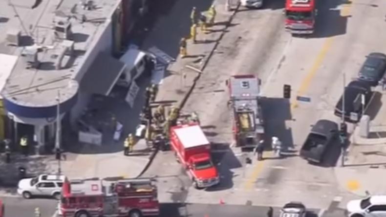 Auto rast in Menschenmenge in Los Angeles - Mindestens acht Verletzte [VIDEO]