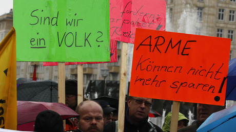 Demonstration in Berlin gegen die Hartz-IV-Reform