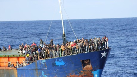 In den vergangenen Tagen kamen 12.000 Migranten in zumeist völlig überfüllten Schiffen und Booten in Italien an.