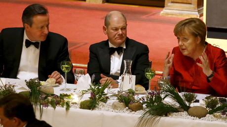 Angela Merkel als Ehrengast beim Matthiae-Mahls 2016 im Hamburger Rathaus. An diesem Tag verkündete sie die Überraschung: