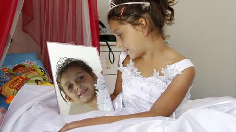 Zum Teil waren die verheirateten Mädchen gerade mal zehn Jahre alt (Symbolbild).
