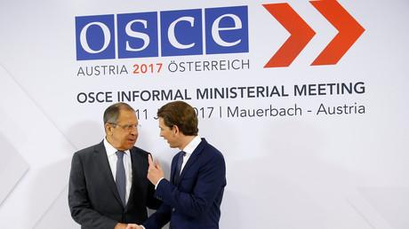 Der OSZE-Vorsitzende Sebastian Kurz empfängt den russischen Außenminister Sergej Lawrow.