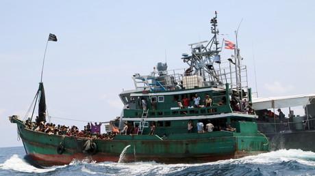 In etwa 90.000 Menschen sind 2017 schon übers Mittelmeer geflohen, mehr als 2.000 sind ertrunken.