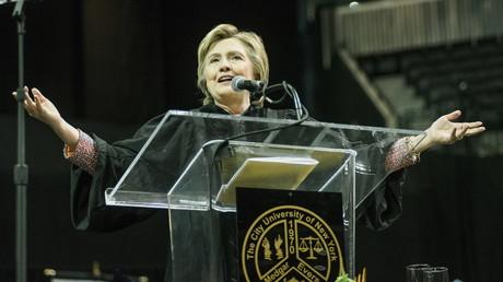 Laut einer US-Studie hat Hillary Clinton ihre Niederlage bei den US-Präsidentschaftswahlen 2016 ihrer kriegstreiberischen Haltung zu verdanken.