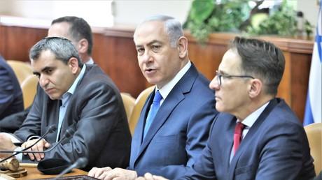 Der israelische Premierminister Benjamin Netanjahu bei einer Kabinettsitzung am 09. Juli 2017.