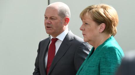 Bundeskanzlerin Angela Merkel und der Hamburger Bürgermeister Olaf Scholz auf dem G20-Gipfel in Hamburg, 8.  Juli 2017.