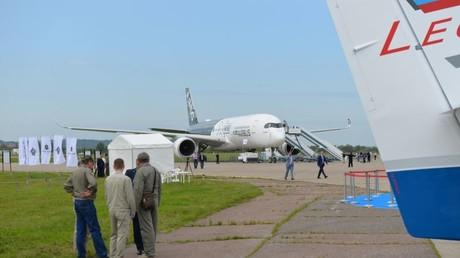 Ein Airbus 350 auf der MAKS-Luftfahrtmesse bei Moskau.